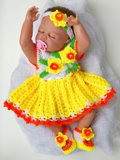 This listing is for stunningly beautiful baby girl dress DAFFODIL, that will leave you mesmerised. Your princess is bound to be the centre of attraction in this crochet baby set. This crochet baby dress set includes, crochet dress crochet headband Christmas Gifts For Girls, Christmas Baby, Baby Set, Beautiful Baby Girl, Crochet Baby Booties, Beautiful Crochet, Baby Patterns, Baby Knitting, Crochet Gifts