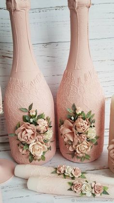 1 million+ Stunning Free Images to Use Anywhere Recycled Glass Bottles, Glass Bottle Crafts, Wine Bottle Art, Painted Wine Bottles, Diy Bottle, Vintage Bottles, Glass Craft, Diy Crafts Hacks, Jar Crafts
