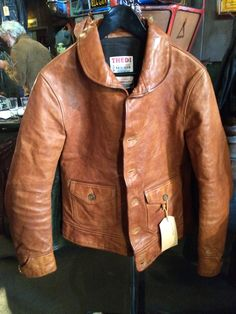Leather jackets are a crucial component to every man's clothing collection. Men need to have outdoor jackets for a number of activities as well as some varying weather conditions Leather Fashion, Leather Men, Mens Fashion, Fashion Outfits, Vintage Leather Jacket, Leather Jackets, Dapper Suits, Retro Mode, Romper With Skirt