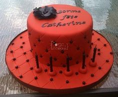 Red and black birthday cake - La Forge à Gâteaux