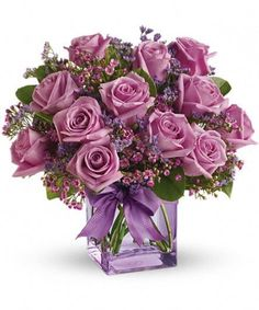 Teleflora's Morning Melody with Lavender Roses Flowers My Flower, Pretty Flowers, Flower Art, Lavender Roses, Purple Roses, Rose Violette, Rose Arrangements, Arte Floral, Flowers Online