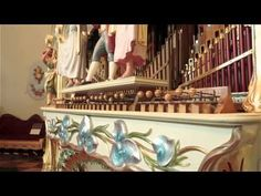 Hearing 'Bohemian Rhapsody' on a 110-year-old fairground organ is oddly perfect (VIDEO)