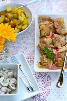 Nordic Diet: Chicken with Baked Rhubarb and Cucumber-Radish Sal. Nordic Diet, Turkey Wings, Radish Salad, Root Veggies, Baked Chicken, Chicken Recipes, Scandinavian Food, Chicken Seasoning, Mediterranean Recipes