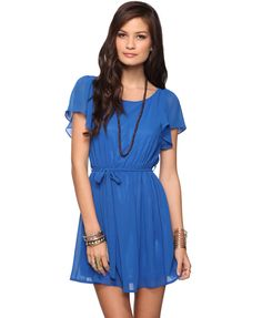 I really want this dress I wish I lived near a forever 21 to buy this!