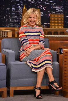 Sienna Miller in Celine dress, Jennifer Fisher choker, Pierre Hardy shoes - 'The Tonight Show With Jimmy Fallon' in New York.  (January 13, 2015)