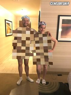 Best Halloween Costumes For Couples To Win This Year; Halloween Costumes For Couples; Mario And Peach Halloween Costume; Clever Couples Halloween Costumes, Clever Halloween Costumes, Halloween Outfits, Halloween Diy, Group Halloween, Family Costumes, Group Costumes, Cool Couple Halloween Costumes, Best Couples Costumes