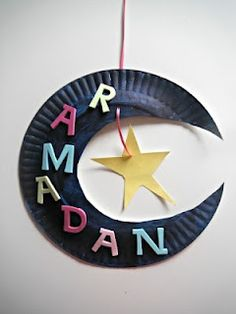 Ramadan activites worksheets school lessons Moon Star craft that would be great with kids.put their name instead of ramadan Ramadan Diy, Ramadan Crafts, Ramadan Decorations, Ramadan For Kids, Stall Decorations, Ramadan Wishes, Eid Crafts, Crafts For Kids, Clown Crafts