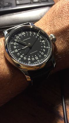 Buying The Right Type Of Mens Watches - Best Fashion Tips Men's Watches, Dream Watches, Sport Watches, Cool Watches, Fashion Watches, Longines Watch Men, Hand Watch, Luxury Watches For Men, Beautiful Watches