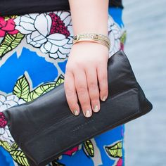 Details details details! This @alesyabags clutch is one of my favorite bags ever (2nd behind her satchel). And loving my @melissamccarthyseven7 crazy pants and @lanebryant bangles. See the full outfit at link in bio.