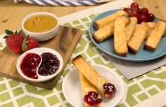 """Peanut butter jelly with a French Toast Stick Bat."""" PB&J with Farm Rich French Toast Sticks = a great way to mix up that sandwich routine. French Toast Sticks, Jelly, Peanut Butter, Breakfast Recipes, Routine, Vitamins, Sandwiches, The Originals, Ethnic Recipes"""