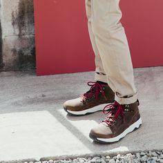 Where rugged meets dapper. Meet the winter-ready men's Arrowood Utility Mid boot.