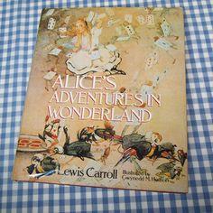 Alice's Adventures in Wonderland. 1985. UK. Illustrations: Gwynedd M. Hudson.