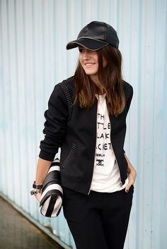 Pin by anisha dongol on caps and hats Leather Baseball Cap, Black Baseball Cap, Baseball Caps, Tomboy Outfits, Sport Outfits, Fashion Outfits, Sporty Chic Style, Sport Chic, Sport Fashion