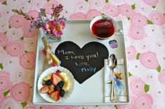 Mother's Day breakfast #breakfastinbed #flowers #decor