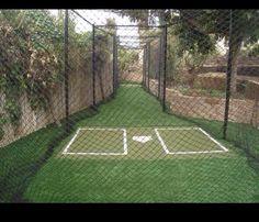 Je ne peux pas attendre d'avoir une cage des frappeurs dans ma cour. Mes enfants seront en mesure d'avoir à la practique à la maison au bâton.  Je mattrais astroturf dans toute la cage.  Je mettrais une cage plutôt que de un filet aussi.