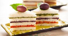 Appetizer Recipe: Tri-Colored Pesto Tea Sandwiches This would be cute for Christmas with just basil pesto and maybe a sun-dried tomato pesto or the red pepper spread Mini Sandwiches, Cream Cheese Sandwiches, Finger Sandwiches, Pesto Sandwich, Sandwich Recipes, Appetizer Recipes, Sandwich Ideas, Sandwich Croque Monsieur, Holiday Party Appetizers