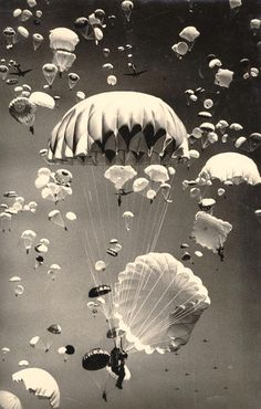 Paratroopers over Moscow,1940