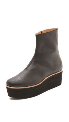 #WWW#UGGCLAN#COM XMAS Clearance, 80% DISCOUNT OFF, 2013 NEW UGG BOOTS ON SALE, 80% DISCOUNT OFF, CHRISTMAS CLEARANCE, FREE SHIPPING