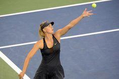 Maria Sharapova (RUS) [3] serves to Lourdes Dominguez Lino (ESP) on day 3 of the US Open. - Rob Loud/USTA