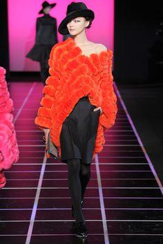 Giorgio Armani Fall 2012 Ready-to-Wear Fashion Show - Lee Hye Jung