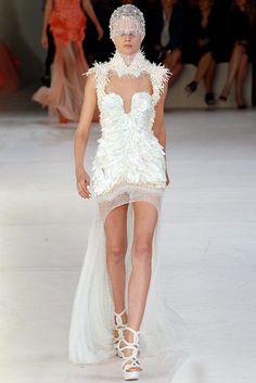 Alexander McQueen Spring 2012 Ready-to-Wear Fashion Show - Hanne Gaby Odiele…
