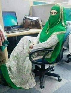 Beautiful Arab Women, Beautiful Hijab, Beautiful Asian Girls, Iranian Beauty, Muslim Beauty, Arab Girls, Muslim Girls, Wedding Hijab Styles, Muslim Hijab