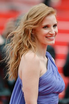 More Pics of Jessica Chastain Long Wavy Cut
