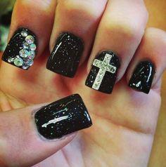 Cool Black Nail Designs http://www.designsnext.com/?p=31823