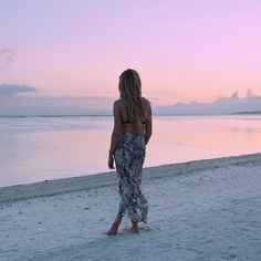 Amazing sunset capture in our pow wow sarong Gili Air, Wolf Children, Amazing Sunsets, Pow Wow, Resort Wear, Bali, Harem Pants, Swimming, Photo And Video