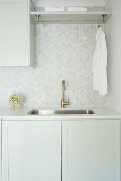 New Bathroom Designs, Bathroom Inspo, Laundry Room Design, Kitchen Design, Kitchen Ideas, Dream House Interior, Pretty Room, Interior Decorating, Decorating Ideas