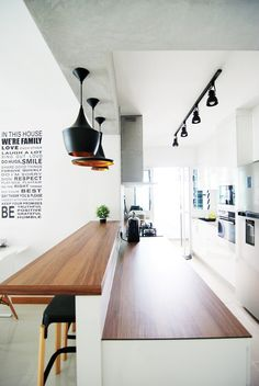 Interior design Concept Words, 3 Ultimate Tips to Build Scandinavian Kitchen Design Interior Kitchen Living, New Kitchen, Kitchen With Bar Counter, Kitchen Sink, Kitchen Bars, Counter Top, Bar Counter Design, Kitchen Island Bar, Long Kitchen