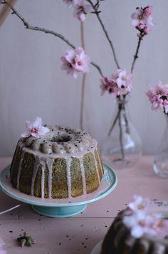 Coco e Baunilha: Bolo de sésamo preto e tangerina // Black sesame & tangerine bundt cake