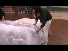 """Okay, you may not think that there is much to get excited about when it comes to the chore of changing your duvet cover. But have you tried the """"Burrito"""" method? This clever duvet hack is from the editor of Real Simple Magazine! Home Hacks, Organization Hacks, Organizing, Home Bedroom, Getting Organized, Homemaking, Clean House, Housekeeping, Good To Know"""