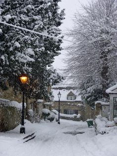 St Andrews Lane 2 Old Headington, Oxford, England Winter Szenen, Winter Love, Winter Magic, Winter White, Winter Christmas, Snowy Day, Snow Scenes, Winter Beauty, English Countryside