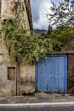 just an Architect Places Around The World, Around The Worlds, Delphi Greece, Beautiful Places, Beautiful Pictures, Touch Of Gray, Cottage, Old Doors, Doorway
