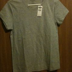 Old Navy Top Perfect fit tee, gray.. New! Old Navy Tops