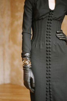 love the details: buttons, waist, and leather gloves