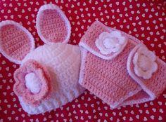 Conjunto para bebê touca + tapa fraldas coelhinha