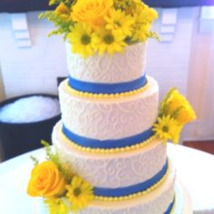 Country style wedding cake and flowers from Lizzie bees flower shoppe
