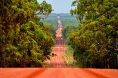 Australian Outback - on the way to Cape York Brisbane Queensland, Queensland Australia, Western Australia, Australia Travel, Travel Oz, Sky Go, Roads And Streets, Beautiful Places, Amazing Places