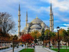 Жемчужина Турции—Стамбул: город, соединивший моря, континенты, эпохи и религии; город, побывавший столицей Римской, Византийской и Османской империй; мегаполис вне времени и пространства, пронизанный дыханием истории и совершенно разных культур. Чтобы о
