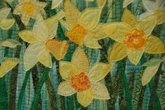 """Dublin Daffodils"" mini quilt, 15,5'' by 12'', raw-edge appliqué"