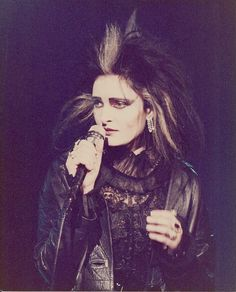 eliz-may:  Siouxsie Sioux