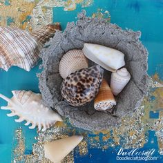 Beach Sand Trinket bowl dish diy using Plaid Mod Podge Ultra finisher and sealer Beach Rocks Crafts, Rock Crafts, Crafts To Make, Resin Spray, Beach Fun, Beach Themes, Fun Projects, Painted Rocks, Clay