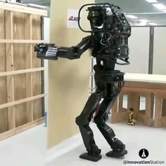 This Humanoid Robot Builder Installs Drywall Recent Technology, Latest Technology Gadgets, Latest Gadgets, Spy Gadgets, Cool Gadgets, Robot Builder, Robot Videos, Creative Inventions, Humanoid Robot