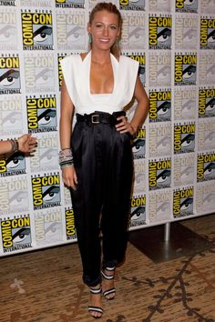Lively rocked satin harem pants and a white blouse at Comic-Con International (for her role in Green Lantern).