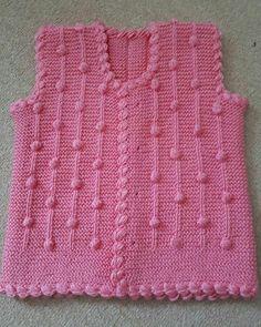 """Instagram'da @hanim_ellerr: """"💕💕🚫 Paylaşımlar fikir amaçlıdır ürünler bana ait değildir hiç bir ürün satılık değildir 🚫 #örgü #örgümüseviyorum #kanavice #dikiş #yastık…"""" Baby Knitting Patterns, Crochet Patterns, Knitted Baby Cardigan, Crochet Baby, Sweaters, Fashion, Knit Vest, Craft, Baby Things"""