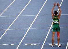 Wayde Van Niekerk (RSA) reacts after winning the men's final. Wayde Van Niekerk, Study Motivation, Track And Field, Athletes, The Dreamers, Olympics, Journey, African, Sports