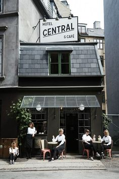 With their city's colorful buildings, Scandi design, Nordic cuisine, focus on clean living and abundance of art galleries, Copenhageners know how to enjoy the art of Scandinavian living. Discover a city just two hours from Paris, that boasts an inspiring way of life, with our address book for the perfect long weekend.