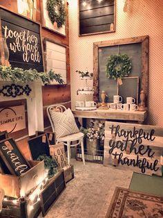 Image = Booth setup inspiration Vintage Booth Display, Antique Booth Displays, Antique Booth Ideas, Vendor Displays, Craft Booth Displays, Booth Decor, Vendor Booth, Market Displays, Store Displays